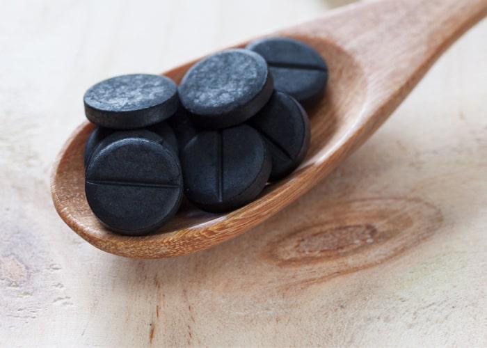 Węgiel aktywowany to również domowy sposób na biegunkę